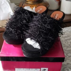 Slip on fringy clogs by nature breeze NWB
